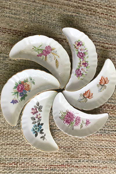 Set of 6 Chadwick Miller Inc. bone dishes